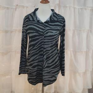 Lularoe Valentina Zebra Button Up Shirt Medium